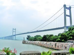 广东滨海景观公路将接入东莞,今后人们有望驾车就可观赏虎门炮台等景点。