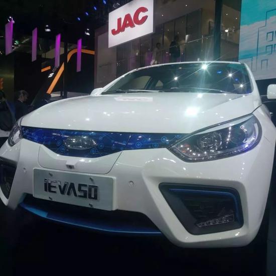 (江淮汽车的iEVA50)