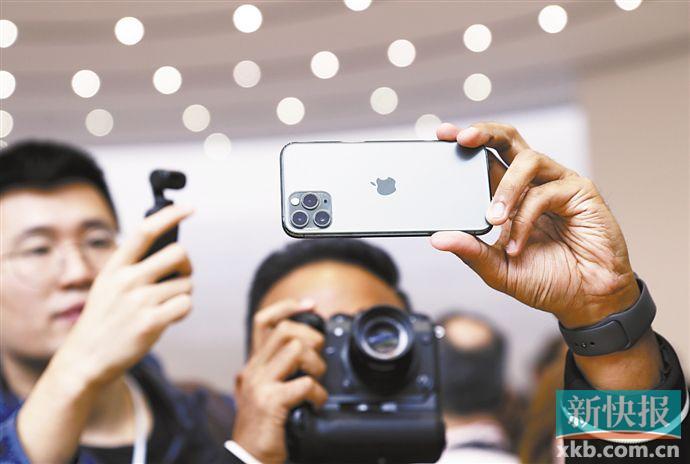 ■iPhone 11 Pro/Max的暗夜绿成最受欢迎机型。VCG/供图
