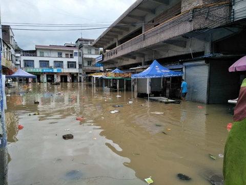 13日清远阳山小江镇受淹,拍摄:李学伦