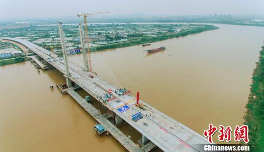 广东菊花湾大桥主桥合龙 中国中铁广州工程局供图