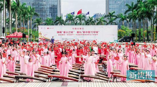 ■蓬江500人身穿汉服倾情共奏国乐经典。