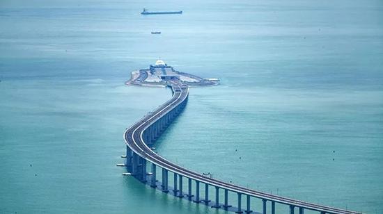 港珠澳大桥东人工岛及香港段局部 视觉中国 图