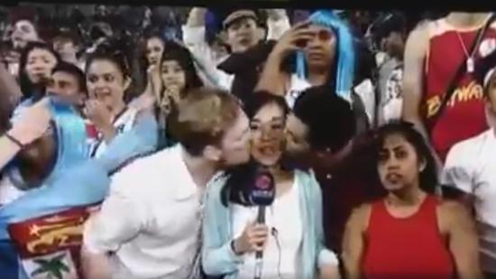 两名外籍男子强吻香港女记者