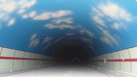 惠清高速南昆山隧道。新华网发
