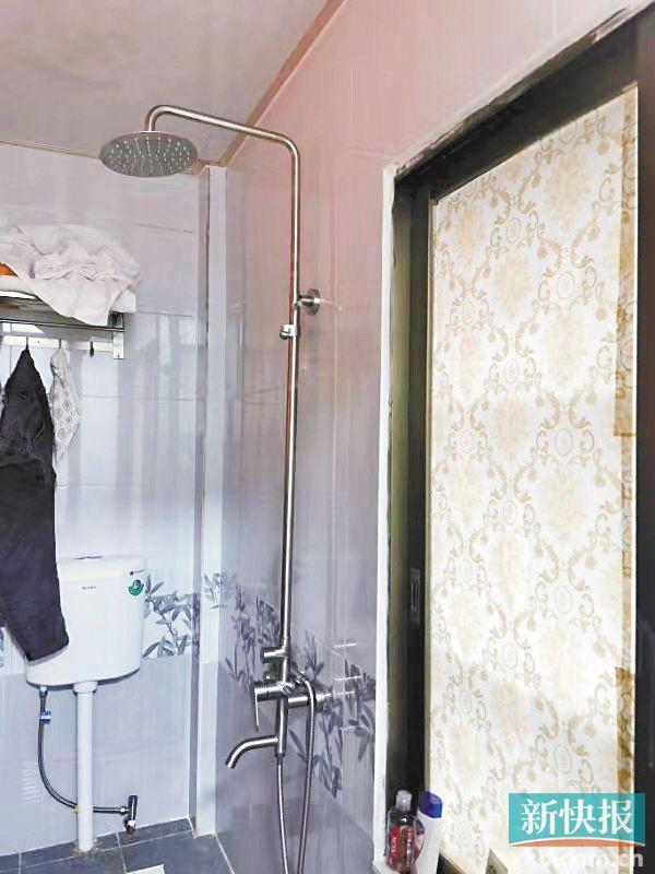 ■投诉者方小姐称,她曾在酒店浴室内洗澡,因这个花洒而发生触电。 受访者供图