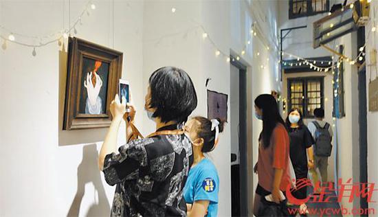 《【摩登2平台手机版登陆】广州:23户人家的旧宿舍变身创意设计文创社区》