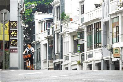 连片骑楼的恩宁路,是广州最完整和最长的骑楼街之一。