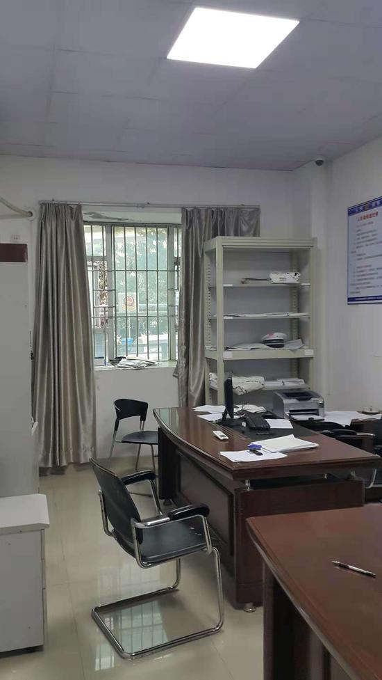 案发地点深圳南湾交警中队一楼的事故处理室。 受访者供图