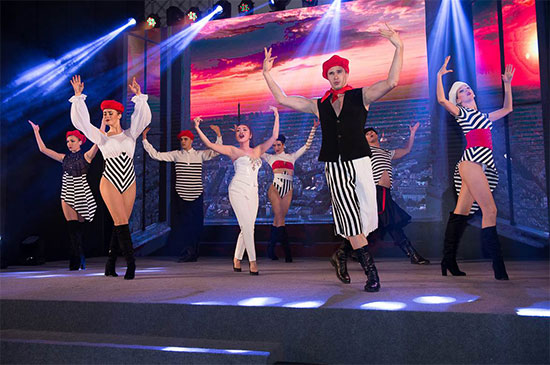 澳门巴黎人歌舞团队呈现的传统法国舞蹈《Dernière Danse》