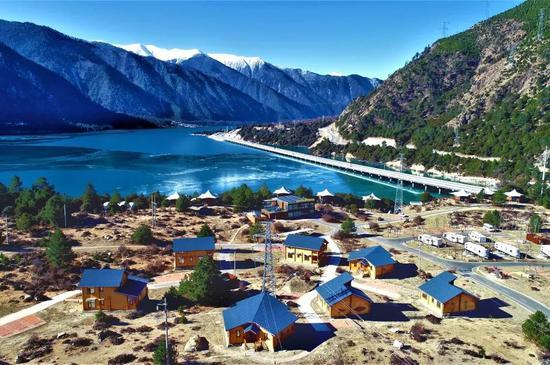 西藏林芝华侨城汽车营地