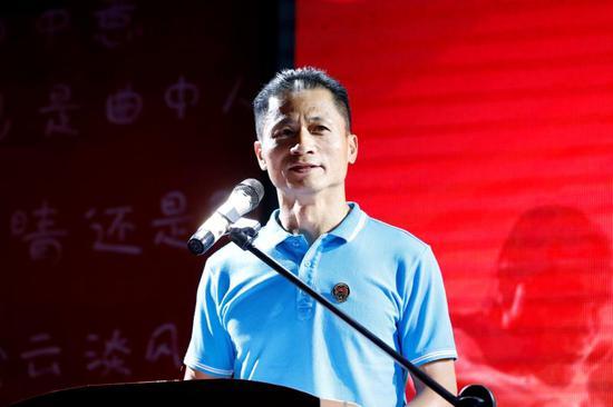 东莞市体育局副局长朱伟光