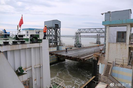 江湛铁路开通让珠三角市民能更快速搭乘高铁前往海南旅游,图为徐闻粤海铁路北港码头