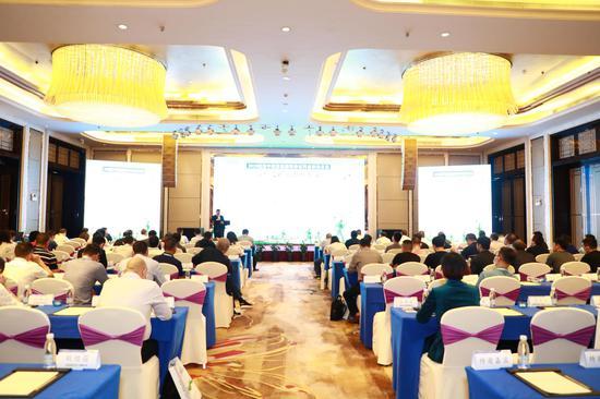 首届中国聚氨酯特种材料在软体家具创新应用技术研讨会召开