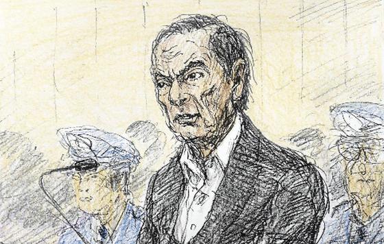 日产前董事长戈恩被捕后现身 坚称拘留不当