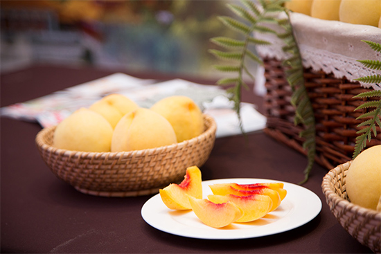 现切的炎陵黄桃,看起来就有食欲