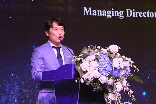 澳太·乐时酒业创始人、建悦国际物流集团董事长李思宁致欢迎辞