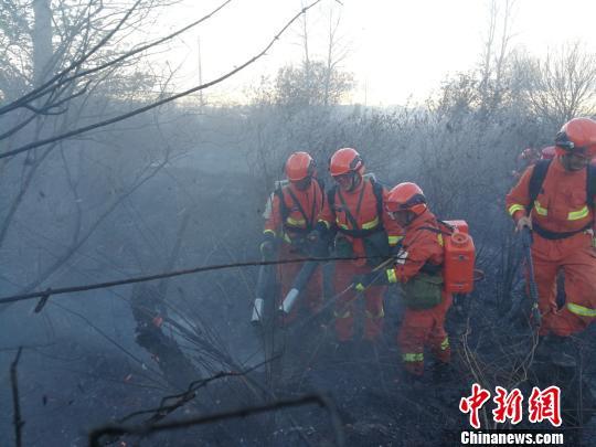 火场明火被扑灭。