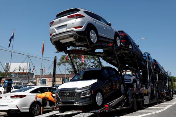 特朗普征收汽车关税之心不死