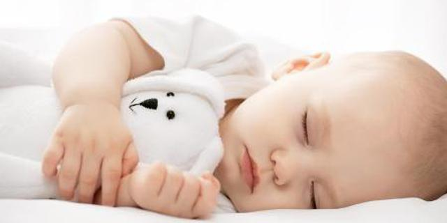 尽早添辅食有助改善婴儿睡眠
