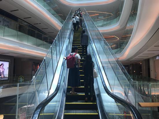 天汇广场igc的扶梯实拍