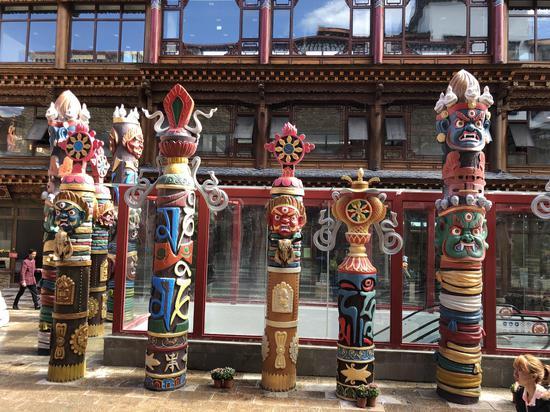 独克宗花巷融合藏区文化