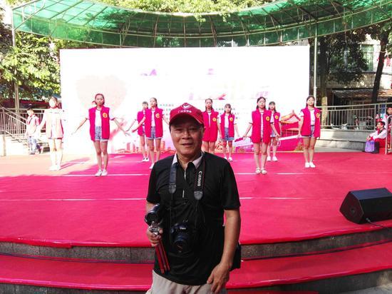 康城社区义工摄影师梁为道先生