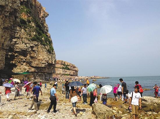 登山、看海的诗意旅行尤其受到有文化的长者的青睐刘星彤摄