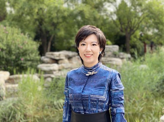 《掬水月在手》联合制片人,南开大学文学院教授、叶嘉莹助理张静