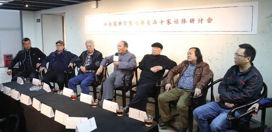 雄豪十家代表 (左到右)杜宁、黄泽森、陈永锵、刘国·玉·、许钦松、陈一峰、陈辉荣