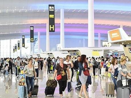 广州白云机场T2航站楼正式全面启用