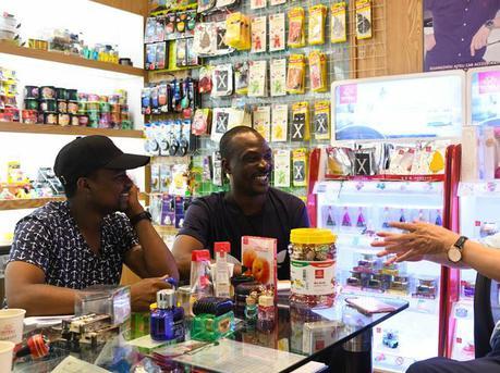 非洲小伙的广州生活:做代购兼职翻译 想继续念研究生