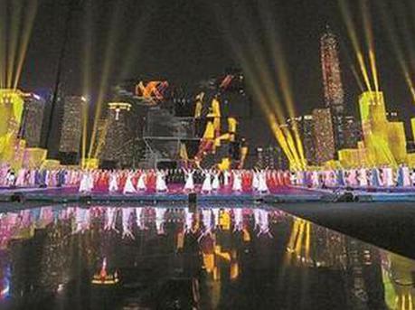 """整座城都被灯光秀点亮了 深圳人一起""""追梦"""""""