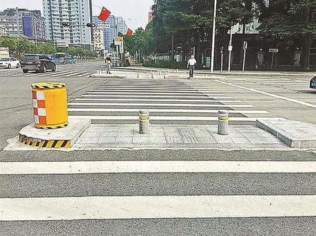 深圳今年已發生5起沖撞安全島交通事故