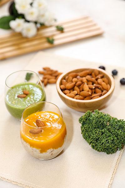 加州巴旦木奶昔美味又便携,每一口都是满满的维生素E,随时随地补充肌肤活力。