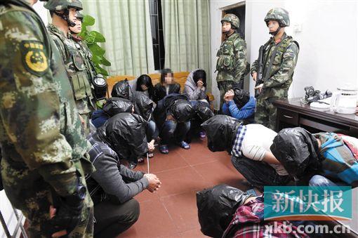 ■多名疑犯被警方抓获。通讯员供图