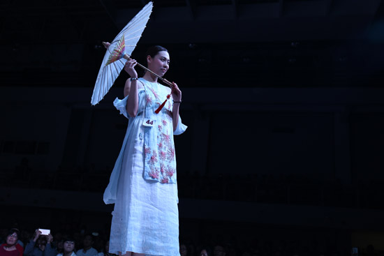 广美工业设计学院2016届服装专业毕业作品展演