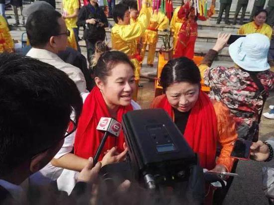 花城友好人家——外国友人也到活动现场,共贺新春