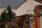 屋顶都炸飞了!广东一民房煤气爆炸 5人受伤