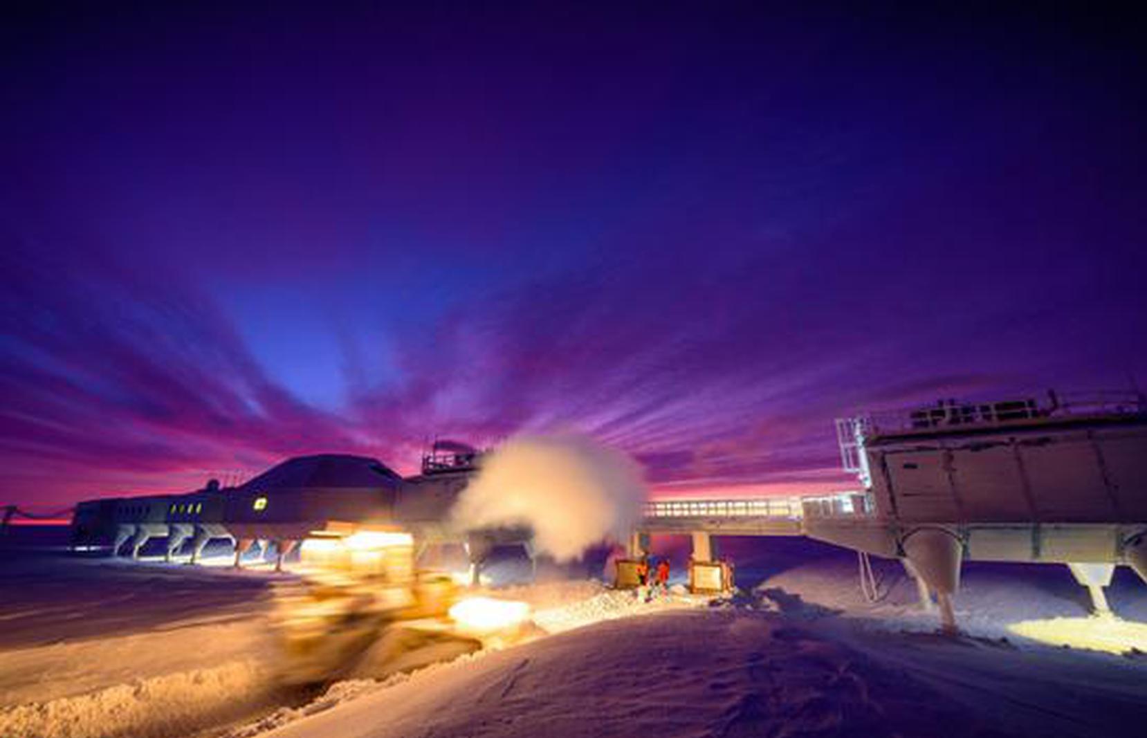 科研人员记录南极生活一年