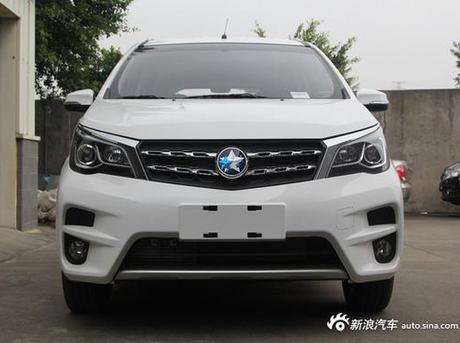 进军MPV市场 启辰M50V实车图曝光