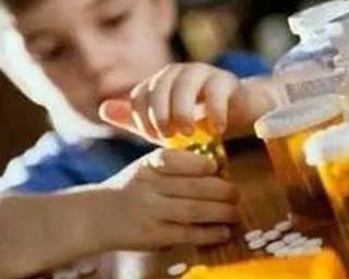 4岁孩子将老鼠药当零食分发给同学 家长:无毒无害