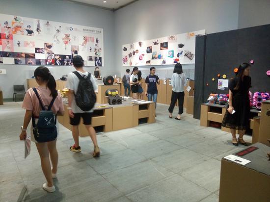 """2017广州美术学院本科毕业作品展""""在广州美术学院大学城美术馆,雕塑"""