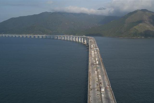 港珠澳大桥主体工程今全线贯通