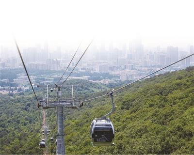紫金山索道已改为封闭式吊厢,明天开始运营。