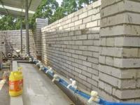 广州一工地生活区停水 20天工人靠洒水车运水度日