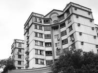 广州老城楼加装电梯身价暴涨 高层单位骤变香饽饽