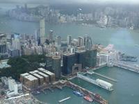 台风天鸽掠香港:5年来首挂十号风球 风速超118公里