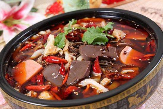 毛血旺是重庆市的特色菜 教你两种毛血旺的做法
