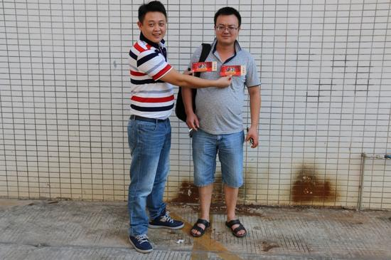 走訪理事單位:智典照明總經理鄧旭東(右)